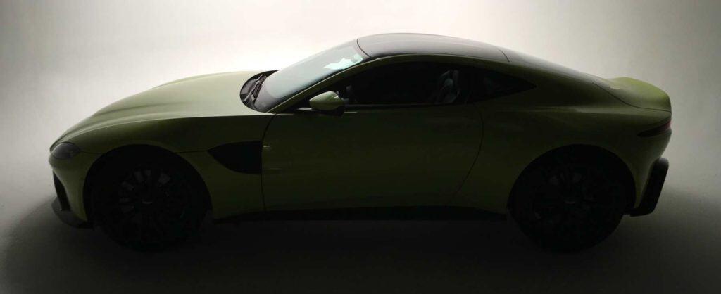 Aston Martin Vantage in Studio A